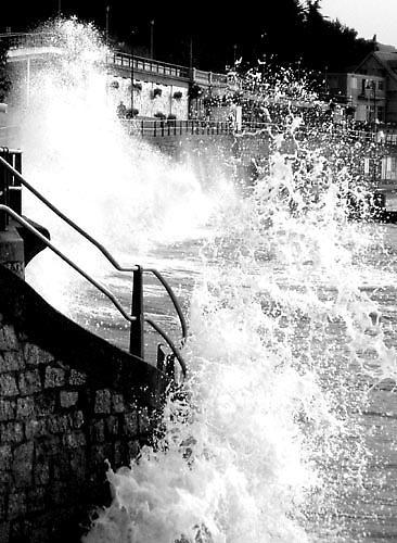 Splash!! #2 by Dinda