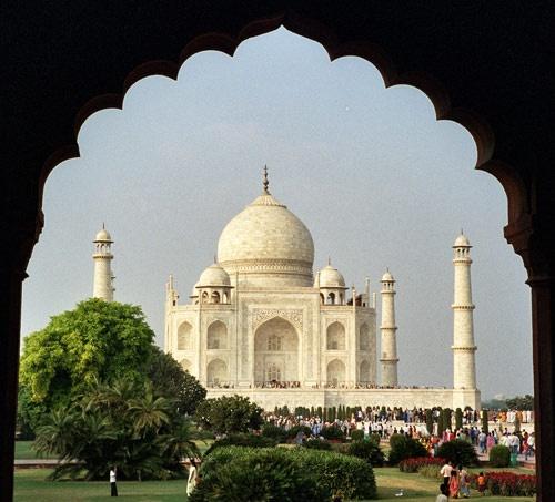 Taj Mahal by Swalatomi