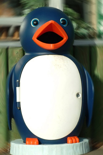 Dizzy Pingu by echino