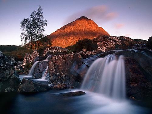 Buchaille Etive Mor, from Glen Etive by neptune