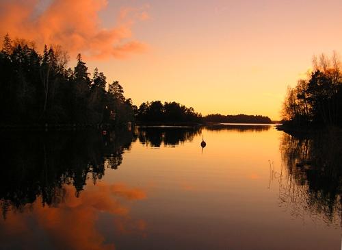 Calm sunset by ojjo