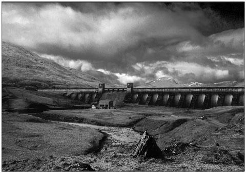 Dam ay Loch Lyon by Hoffy