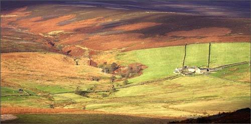 Stanage Farm by tonyvizard