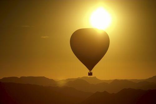 Balloon over the Namib by EOSPETE