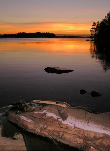 Cliff sunset by ojjo
