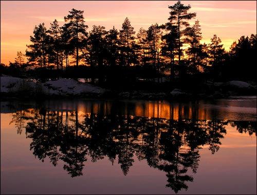 Reflection sunset by ojjo