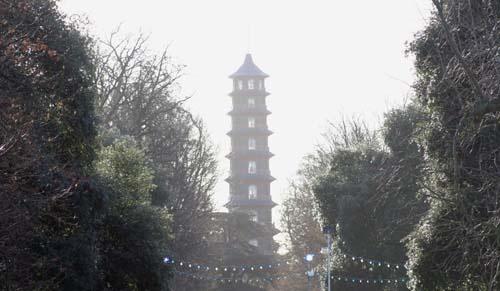Pagoda at kew Gardens by chrisskipp