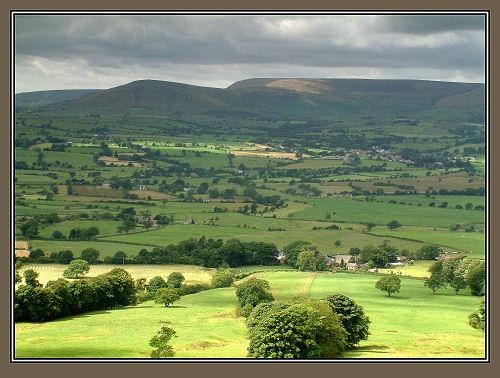 Lancashire Valley by markthompson