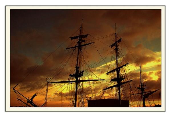 Ship Ahoy by lyne