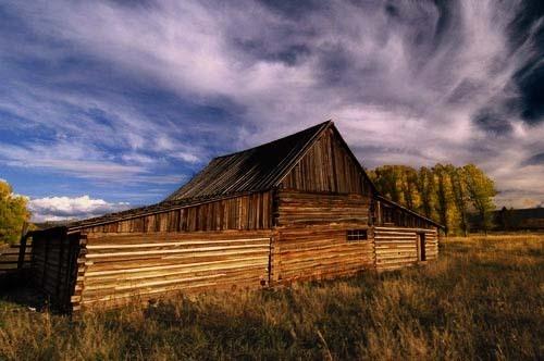 Monrow Barn by mike sharples