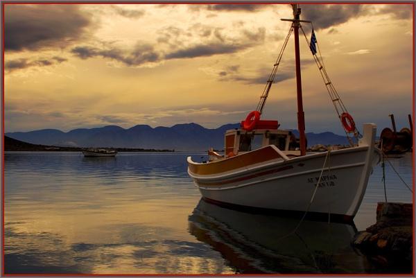 Elounda Boat by davidbailie
