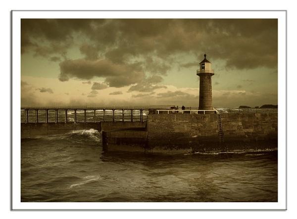 Whitby Pier by lyne