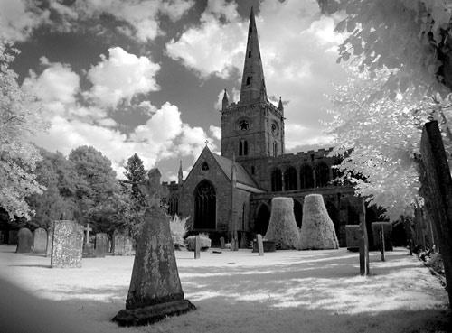 Stratford on Avon Church by gpwalton