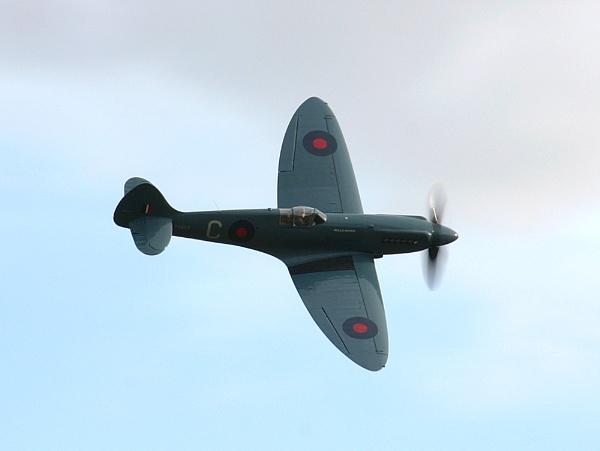 Mk XIX Spitfire by dougv