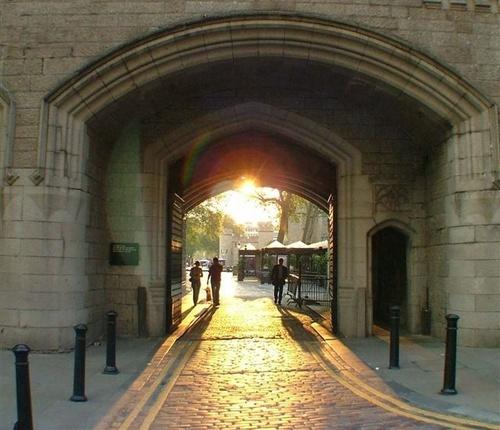 London Tower by Courierfan