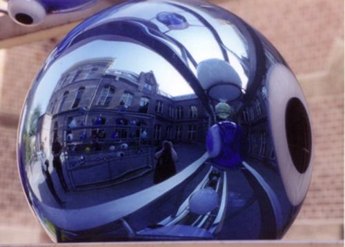 Reflection in Glass Ball by netti spaghetti