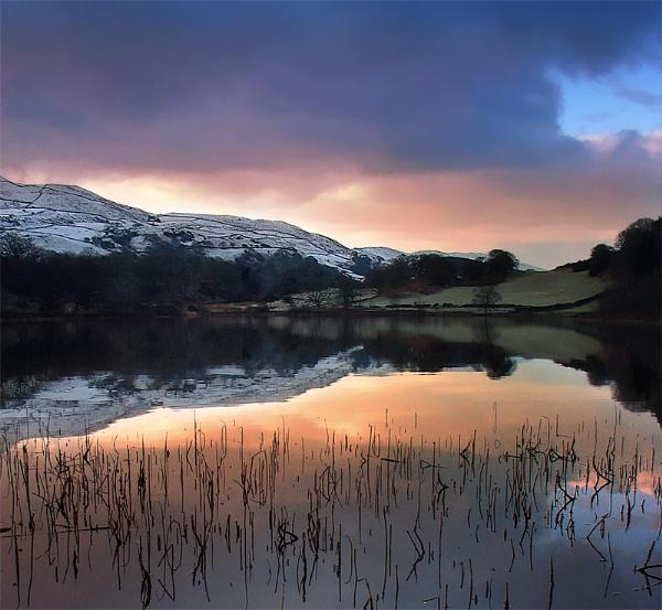 Llyn Tecwyn Isaf by mrarth