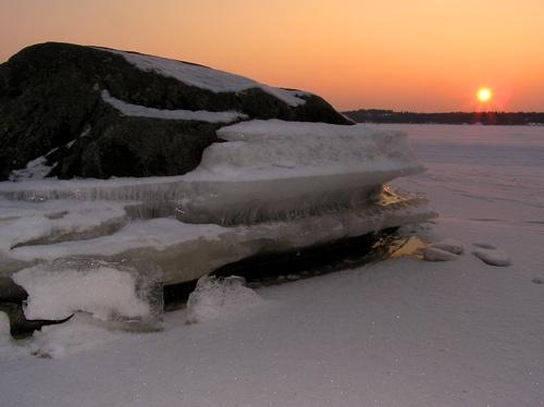 icy rock by ojjo