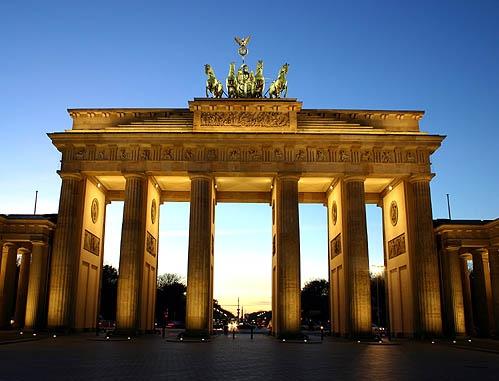 Brandenburg Gate Berlin by ariane