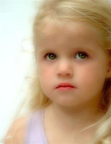 Little Angel 2 by delz