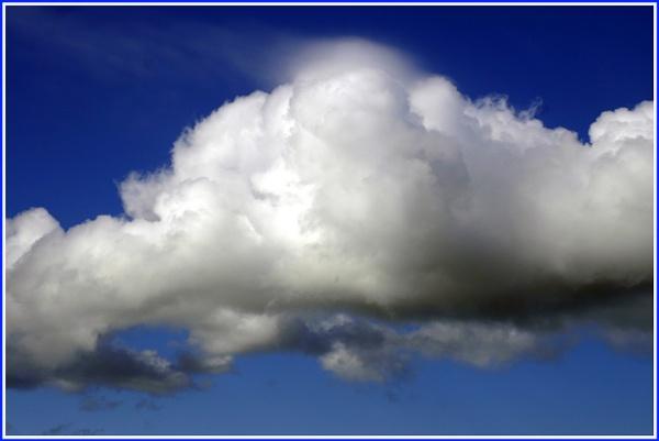 Simply sky.... by lloydy