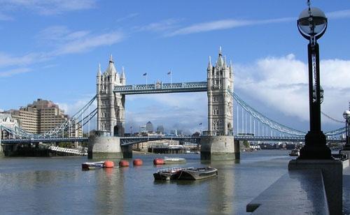 Tower Bridge by kenedwar