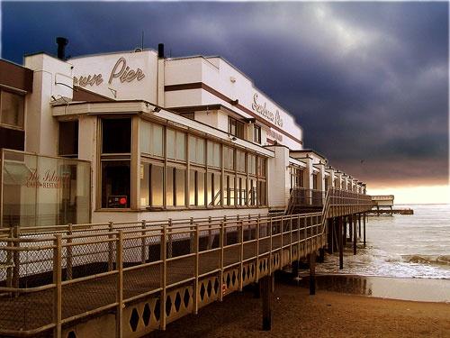 Storm coming! by franken
