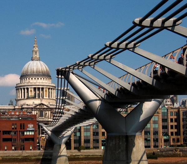 Millenium Bridge by Scotty