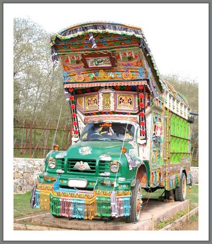 Truck by saramalik