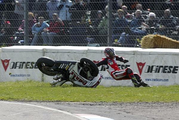 Thruxton Crash3 by Burgy_Tog