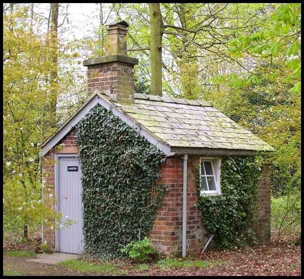 Gardener\'s Hut by johnriley1uk