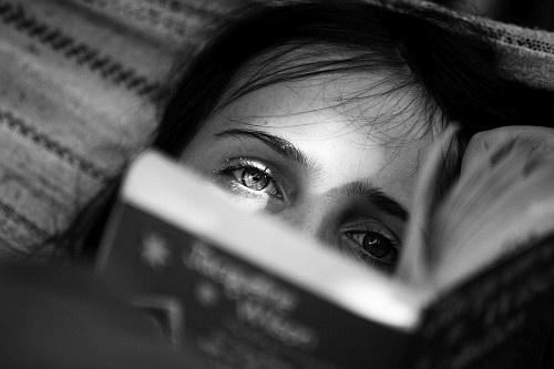 Isobel reading by richshep