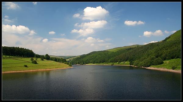Ladybower Reservoir by markharrop