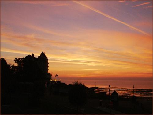 Grand sunrise by alwyn