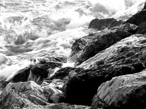 Churning sea. by Redbarron