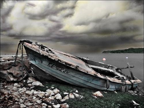 Wrecked by tttfoto