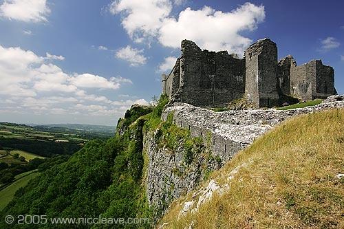 Carreg Crennen Castle by nicanddi
