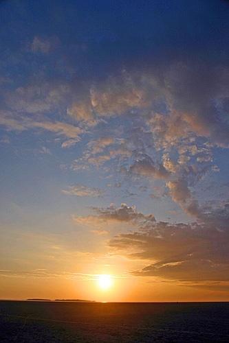 Hilbre Sundown by ericfaragh