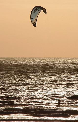 surfing by happysnapper
