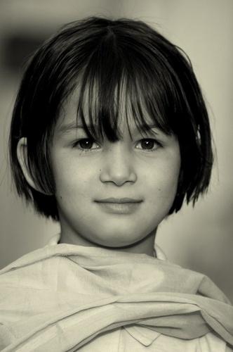 Big Eyes of little lady. by Aazragi