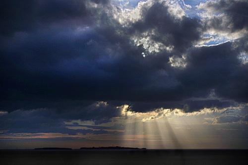 Hilbre Sunburst by ericfaragh