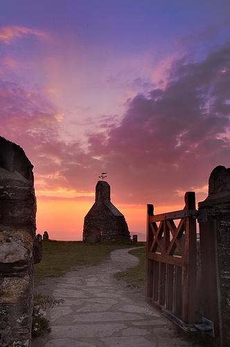 Cwm yr Eglwys by gwyn h