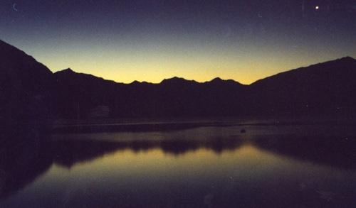 sunset over lake wanaka by gingerninja