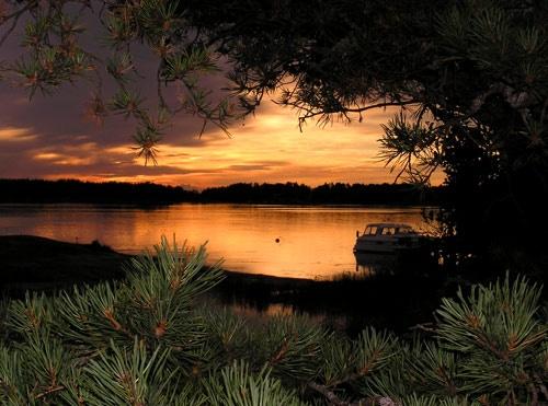 Framed sunset by ojjo