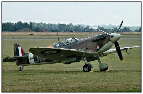 Spitfire! by markt