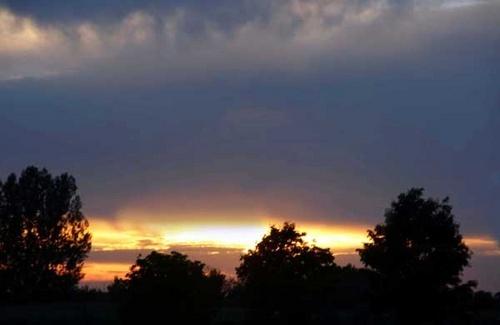 Sunset by manicam