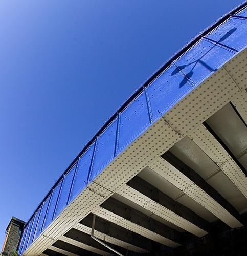 banned: Vauxhall Railway Bridge? by philwig