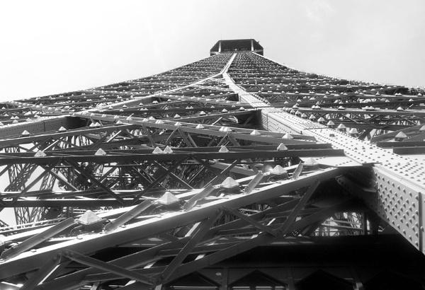 towering by juliem
