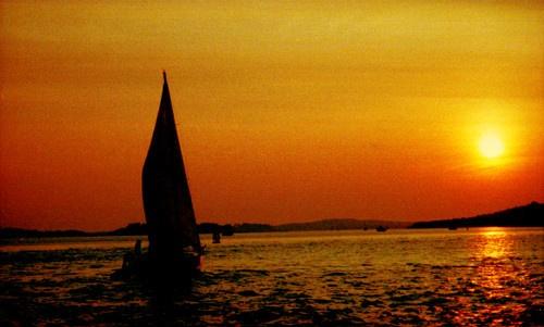 SUNSET BOURNEMOUTH by DAVID LYDIATE