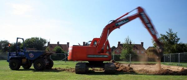 digger in action by petegaylard